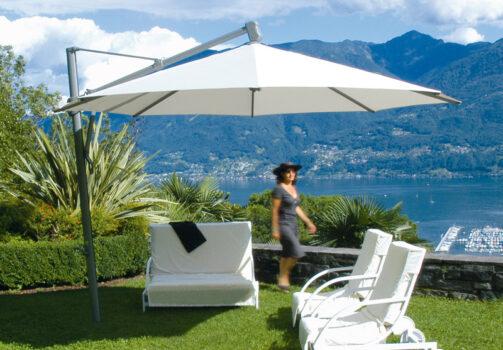 Freiarm-Sonnenschirm Sombrano © By GLATZ AG, Schweiz