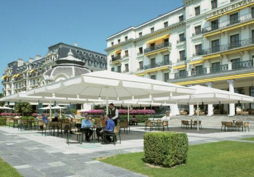 Gross-Sonnenschirm Palazzo © By GLATZ AG, Schweiz