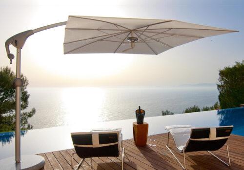 Freiarm-Sonnenschirm Pendalex P+ © By GLATZ AG, Schweiz